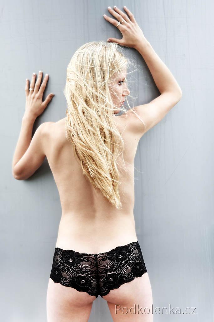 free video holky v kalhotkach